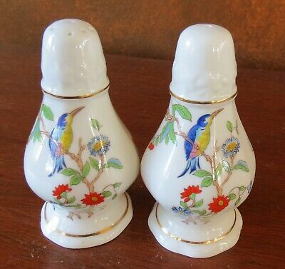 Aynsley Fine Bone China England Pembroke Salt & Pepper Shaker Set