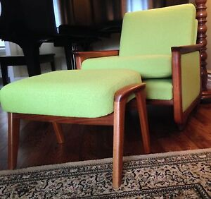 Mid Century R. Huber lounge arm upholstered chair & ottoman London Ontario image 7