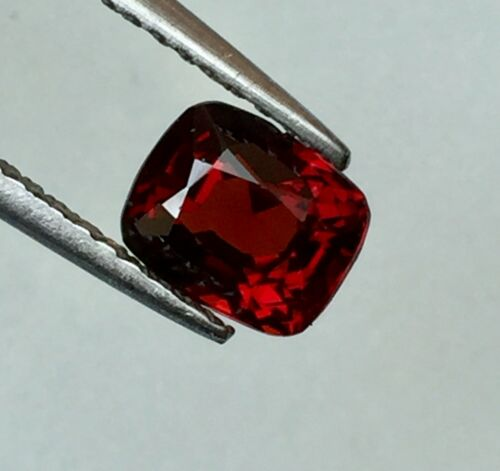 VVS 1.09 ct.6.4x5.2x4mm.Red Cushion Natural 100% Spinel Mogok Gemstones
