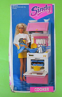 Rare Vintage 1991 Sindy Doll House Kitchen Cooker European Hasbro *Read Descript