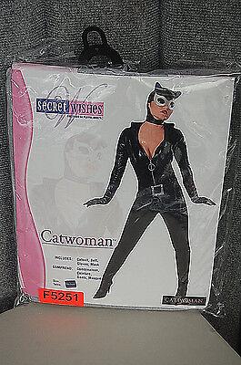Secret Wishes Catwoman Women's Halloween Costume F5251 (Secret Wishes Catwoman Costume)