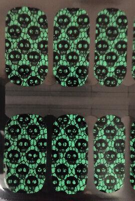 Nail Polish Strips/wrap! Halloween  Glow In The Dark Skulls🎃💀👻