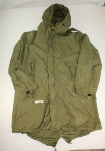 U.S. ARMY M-1951 COLD WEATHER FISH TAIL PARKA UNKNOWN DATE SIZE MEDIUM