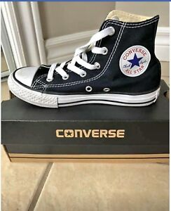 Black converse all star!!