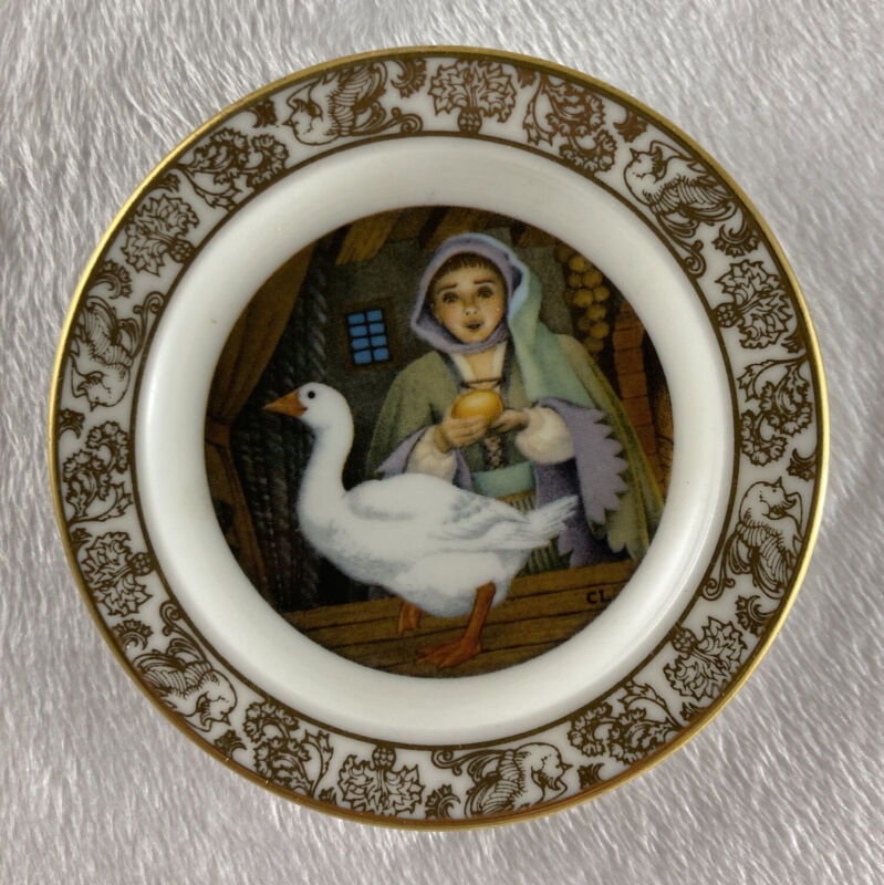 THE GOOSE THAT LAID THE GOLDEN EGGS Mini Plate The Best Loved Fairy Tale Lawson