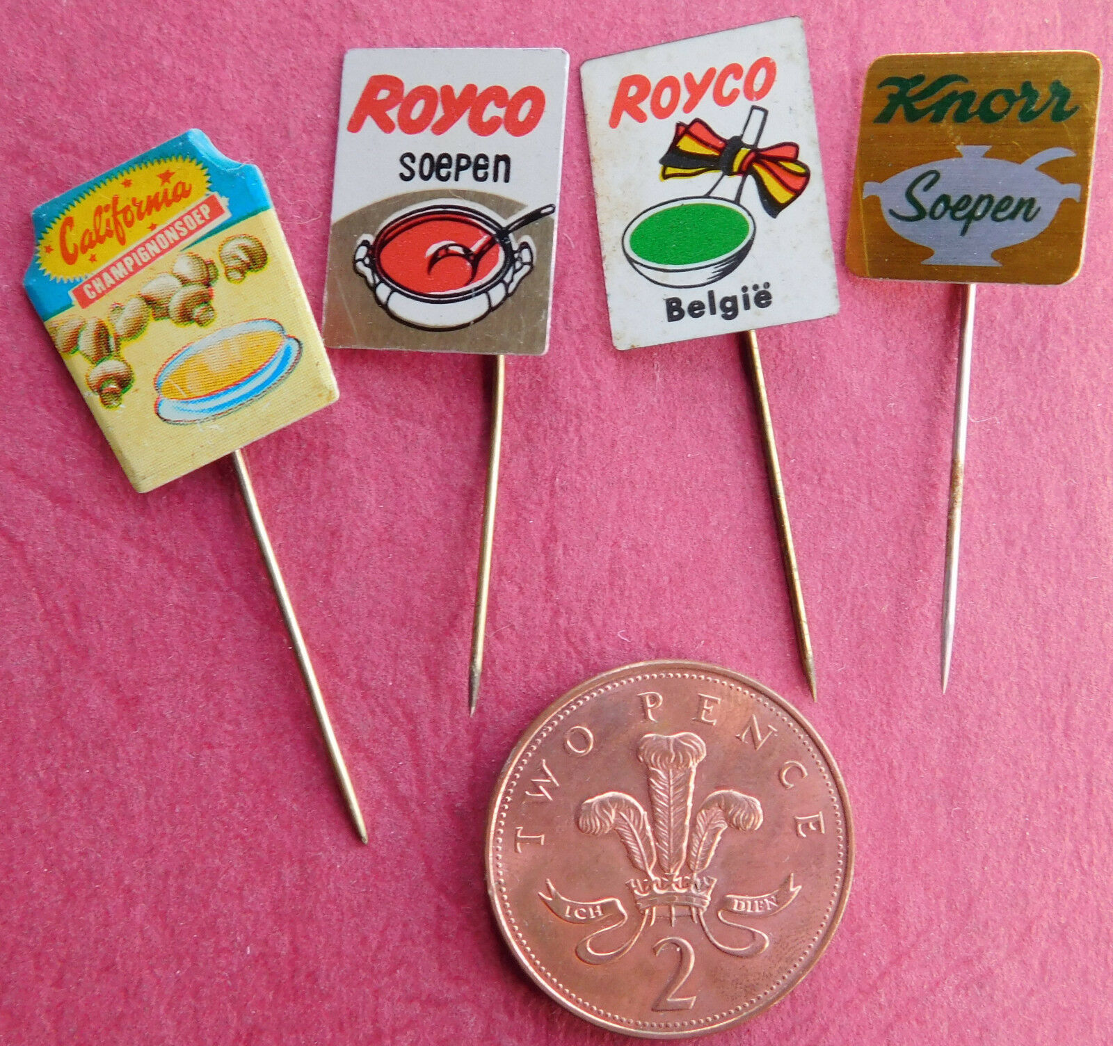 4 vintage Dutch pins soup Royco California Knorr soep food advertising badges F