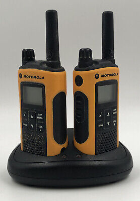 MOTOROLA TLKR T80 EXTREME WALKIE TALKIES - BOXED WITH CHARING UNIT