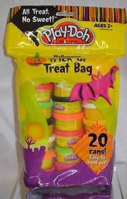 20 PC Play Doh HALLOWEEN Playdoh Trick TREAT 1 OZ each PARTY Bag Kids 2+ FAVOR