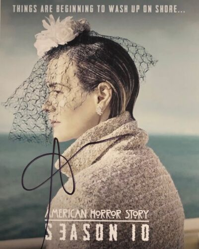 American Horror Story SARAH PAULSON SIGNED 8X10 Photo