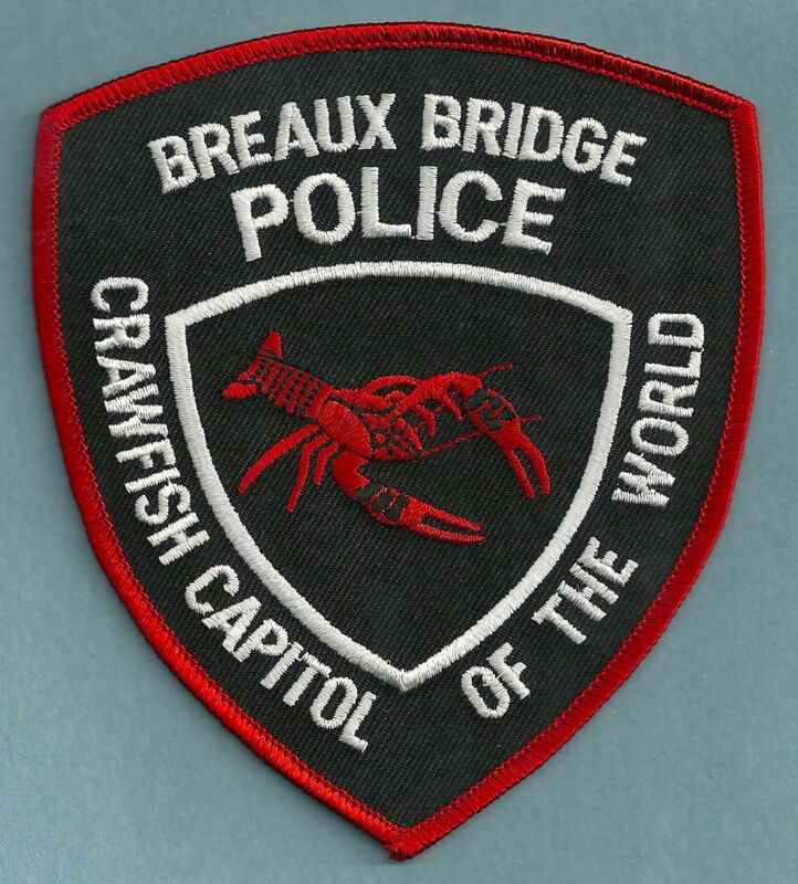 BREAUX BRIDGE LOUISIANA POLICE SHOULDER PATCH CRAWFISH
