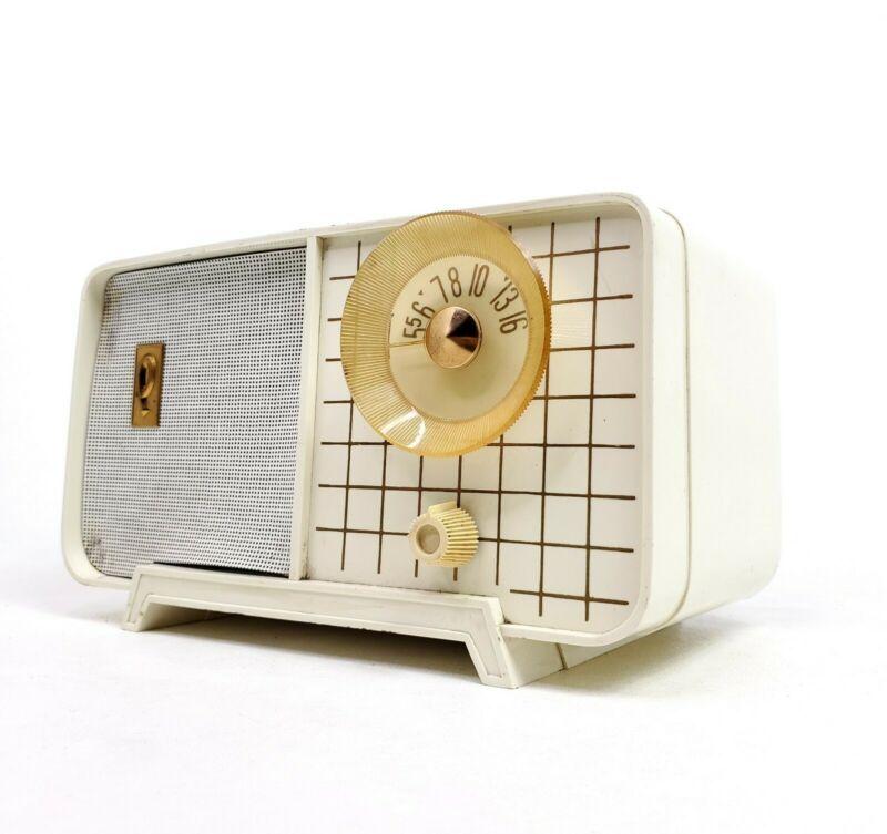 Vintage Philco Tube Radio Model E-810-124 White Mid Century Modern E810 Works