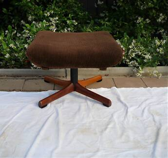Retro 1970's Footstool in good condition