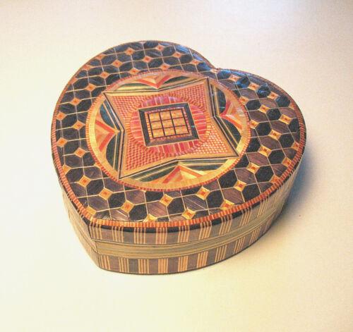 Vtg. Lg. Hand Made Mulitcolor Wheat Straw Heart Shape Lidded Wood Trinket Box