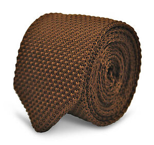 Frederick Thomas chocolate brown knitted wool tie with pointed end