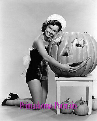 DEBBIE REYNOLDS 8x10 Lab Photo 1950 Halloween Pumpkin, Jack-O-Lantern Portrait (Debbie Reynolds Halloween)