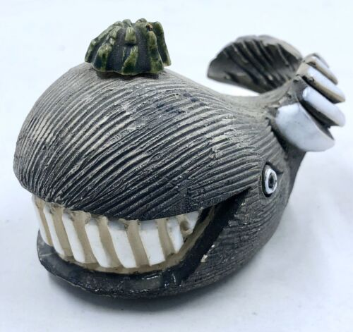 Vintage Rare Smiling Whale Artesania Rinconada Figurine - Retired 1970's
