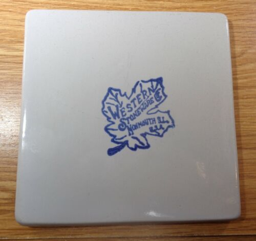 WESTERN STONEWARE MONMOUTH ILL TRIVET