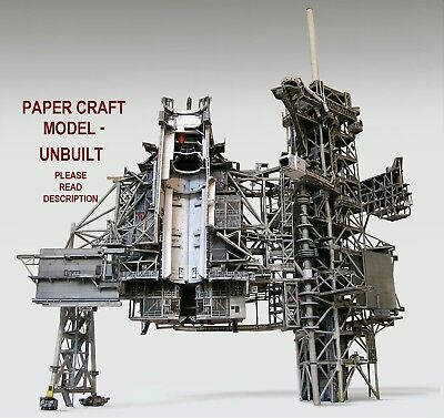Space Shuttle Launch Pad Complex 39A 1:72 Craft Model Monogram w/Boosters READ