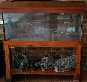 4ft fish tank aquarium with base n hood Arndell Park Blacktown Area Preview