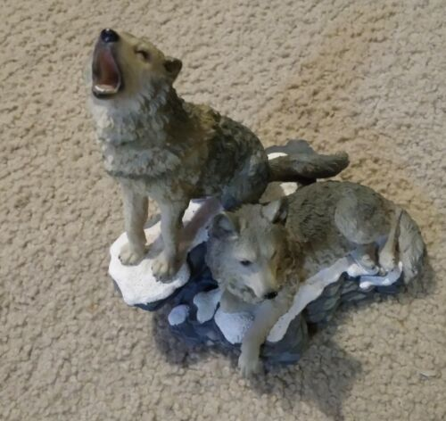 "2002 Home Interiors ""Howling at the Moon"" Grey Wolves Statue Figurine 11733-02"