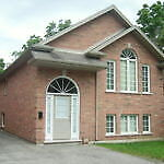 5 bdrm house with a den near UWO.   Utilities included