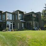 Kelowna Lakefront - 2BR condo - Holiday Park Resort in July!!