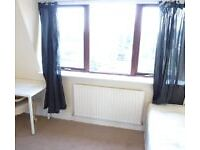 HUGE SINGLE ROOM WITH DOUBLE BED TO RENT IN NORTH ACTON / WEST ACTON / ACTON MAIN LINE - ZONE 3