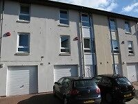 Rooms available in a Modern 5 Bedroom Student Townhouse With Integral Garage And Parking Space
