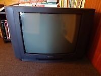 28 inch sanyo crt tv on stand