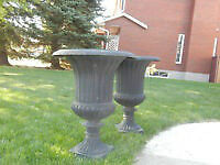 Wanted to buy: 2 cast iron urns