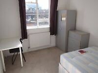 2 stops from STRATFORD! Great comfy cosy SINGLE BEDROOM!!