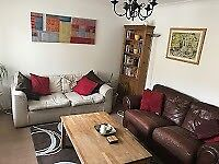 1stflr 2 bedroom holiday apartment with allocated parking in a purpose built lock close to amenities