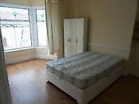 Master room 108 per week 5 minutes from Upton Park stration