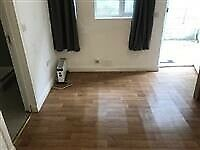 Fantastic 1 Bed property in Pinner Road - Hillingdon - Housing Benefit & DSS accepted