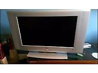 """32"""" BUSH LCD TV HDMI PORT VGA PORT SCART SLOTS GOOD CONDITION PERFECT WORKING ORDER CAN DELIVER"""