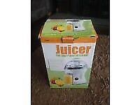 Juicer in box
