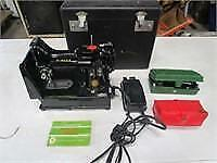 Like New Antique 222k Singer Electric Sewing Machine