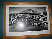 """TORONTO MAPLE LEAFS LIMITED EDITION """"PAT'S GARAGE"""" FRAMED PRINT"""