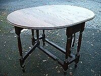 Solid oak gate leg table for 4, antique dining kitchen table, country side table, drop leaf c.1930.