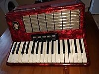 80 bass Weltmeister piano accordion £190