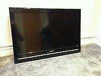 """SHARP 32""""HD LCD TV WITH FREEVIEW"""