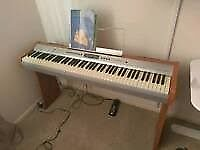 Electric Piano/Keyboard Full Size Winchester WPP 335, Weighted Keys, Good Condition, Stand Included