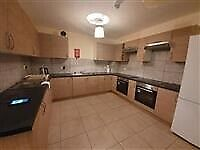 Specious Ensuite Room in Review Road-Brent (All bills included)Housing benefit & DSS accepted
