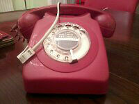 red gpo telephone.