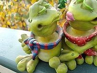 for the frog collector!! kissing frogs