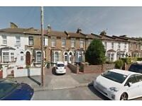 Proud to present a fully furnished en-suite double room in Leytonstone, E11.