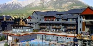 Beautiful Canmore 2 Br. Condo/3 hot tubs/pool***Banff Park Pass