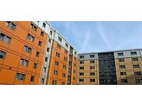 STUDENT ACCOMMODATION WILMSLOW PARK MANCHESTER SILVER EN SUITE ROOM £146 A WEEK