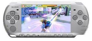 PSP 3000 + CASE + jeux + film