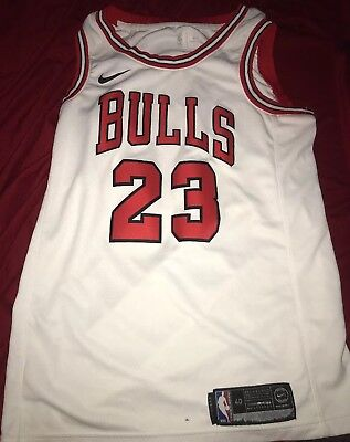 8b06d198c8f Michael Jordan Throwback Chicago Bulls 23 Jersey Small White